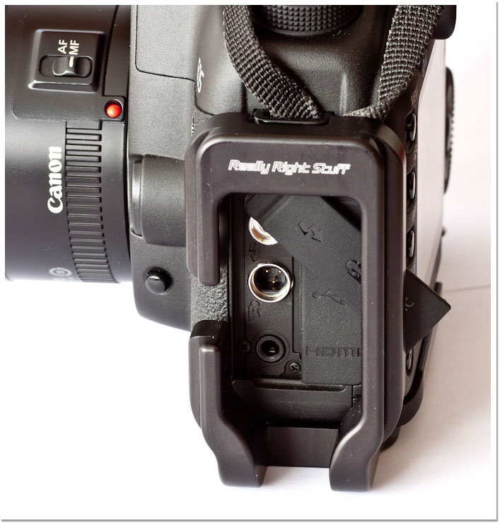 L Bracket de Really Right Stuff montado en una 5D Mark II de Canon