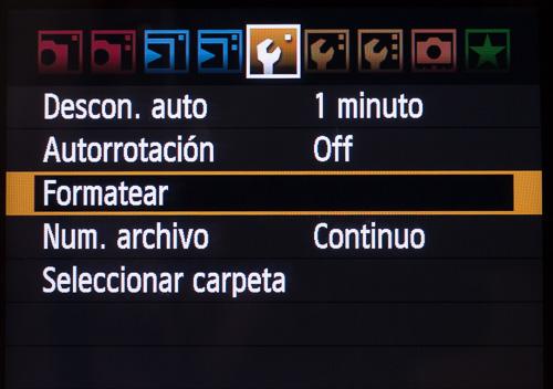 Formateando una tarjeta de memoria en la cámara