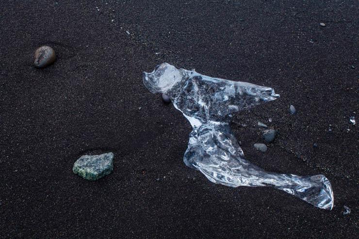 Piedras, arena y hielo