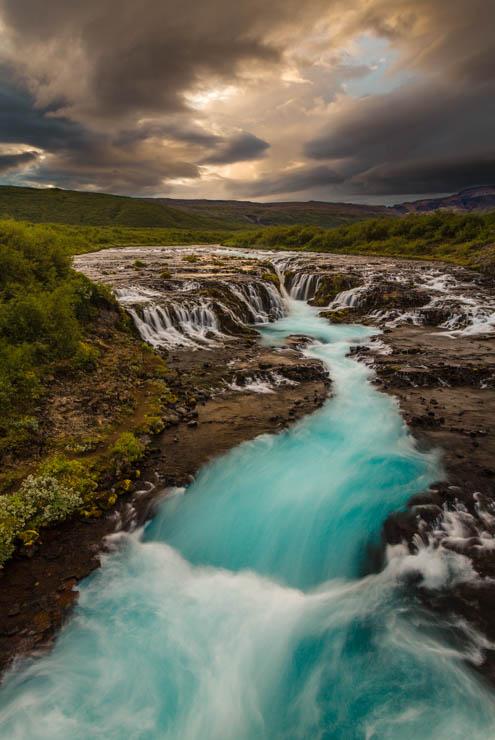 Agua azul de Brúarfoss