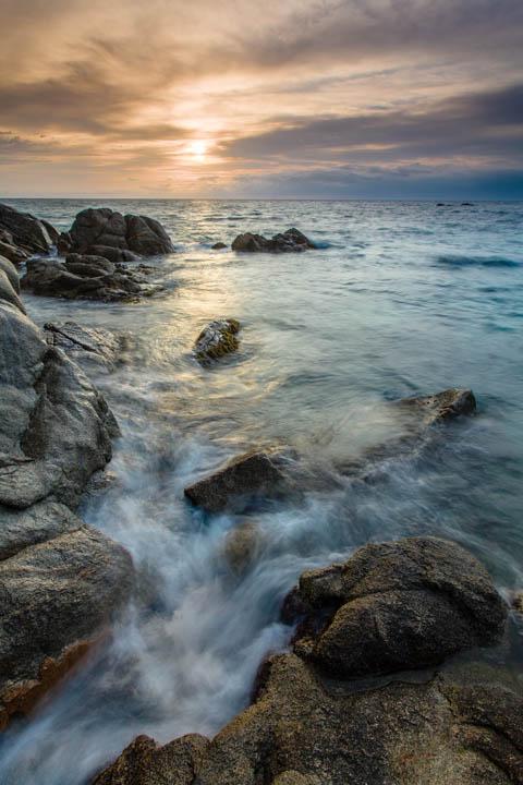 El sol sube en Cap Roig