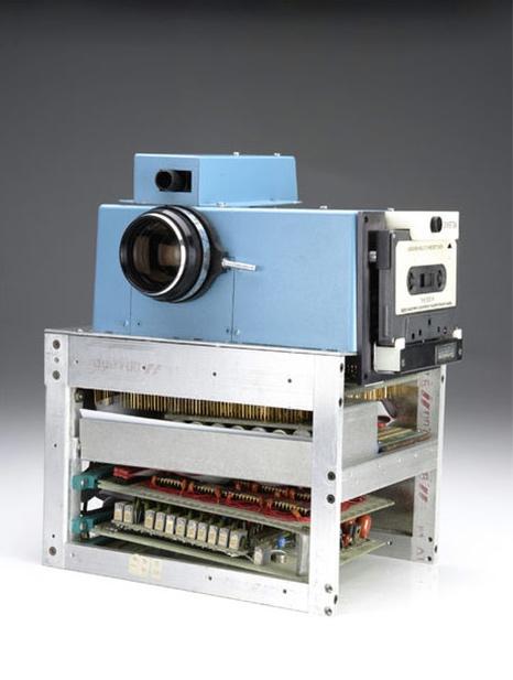 Primera cámera digital