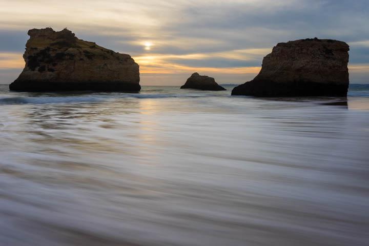 Anoitece na Praia dos Três Irmãos