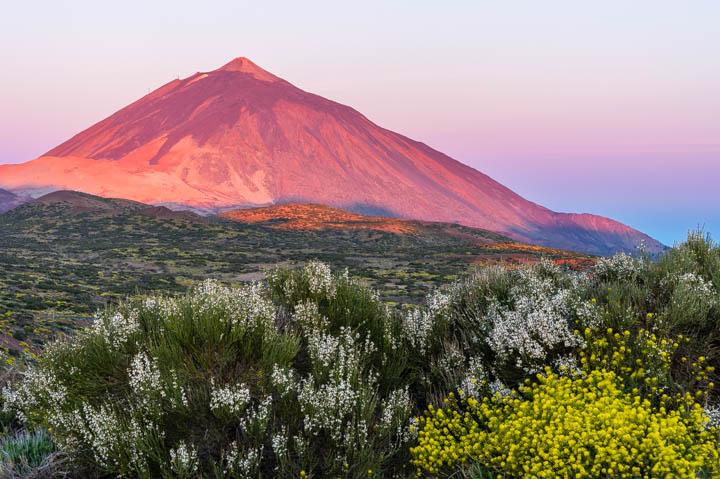 Amanecer primaveral en el Teide